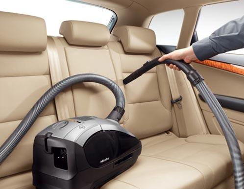 aspirare interior masina